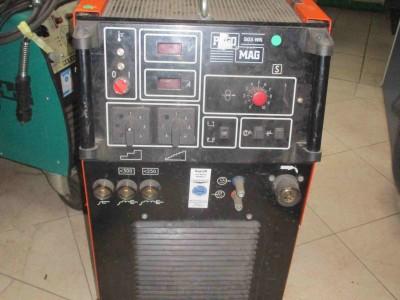 M100000472_P01-1.400x300-crop.JPG