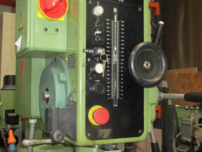 M100000626_P02.400x300-crop.JPG