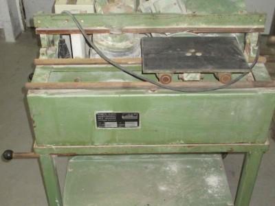 M100000640_P02.400x300-crop.JPG