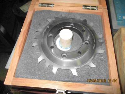 M100000641_P06.400x300-crop.JPG